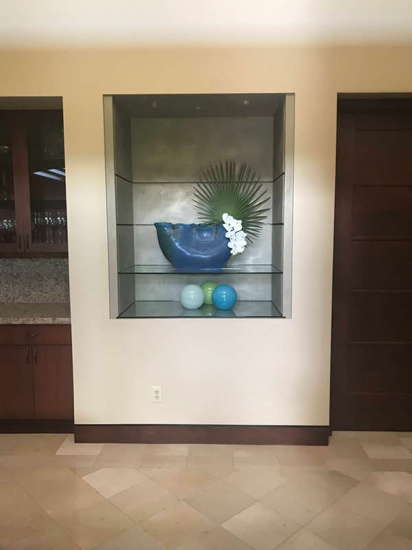 Thompson Art Studios uses Silver LusterStone® inside a display niche on the Big Island of Hawaii.