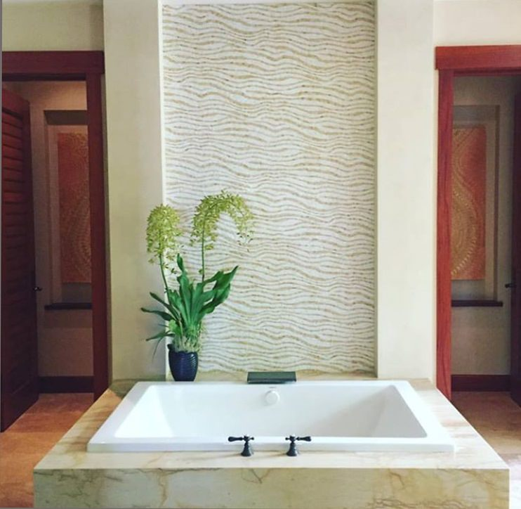Venetian plaster applied by Thompson Art Studios creates Big Island bathroom sanctuaries.